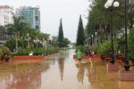 Spass im Regen von Can Tho