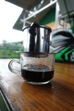 Frischer, starker, vietnamesischer Kaffee