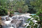 Kaskaden des Kuang Si Wasserfalls
