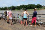 Mit der Fähre überqueren wir den Mekong