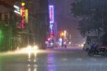 Strömender Regen in Can Tho