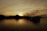 Sonnenuntergang in der Halong Bay