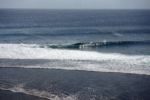 Von der Terrasse aus beobachten wir die Surfer am Uluwatu Beach
